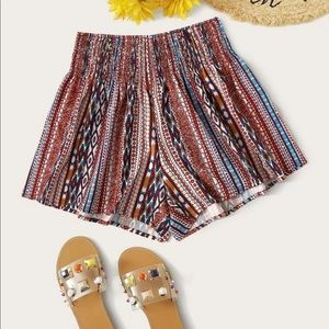 Flowy shorts tribal pattern